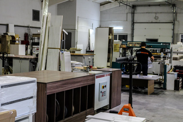 Производственный цех мебели